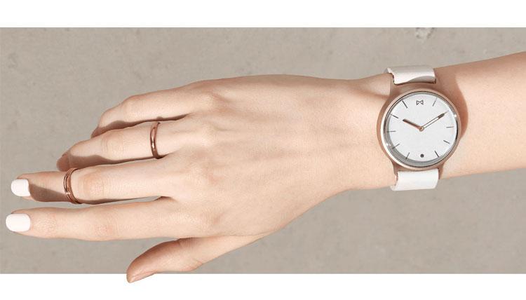 Best Smartwatches for Women-Misfit-Phase-Women's-Smart-Watch